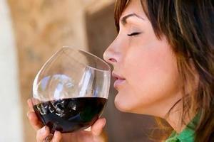 为什么葡萄酒有种怪味?