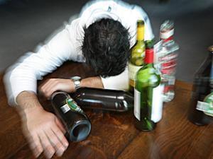 中年酗酒更易中风?